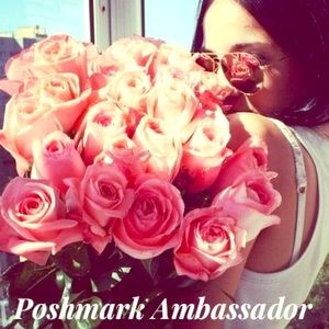 🌸I'm a Poshmark Ambassador🌸